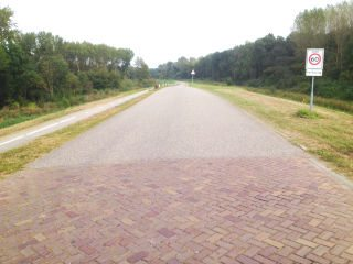 Buizerdweg verbreed in Lelystad